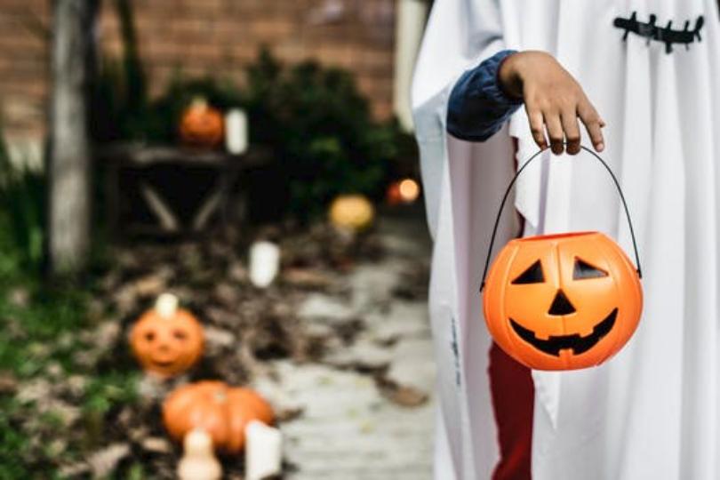 Hoe Ga Je Verkleed Met Halloween.Halloween Mag Aan Mij Voorbij Gaan Rosa Schrijft